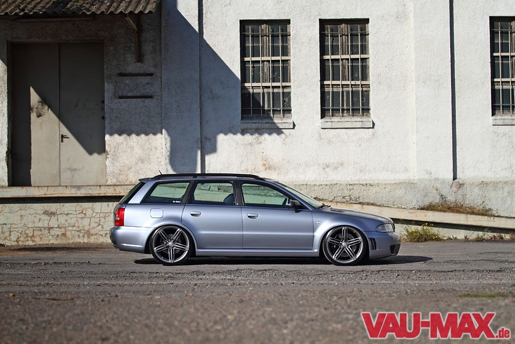 01-audi-rs4-a4-turbo-tuning-hannover-bbs-felgen