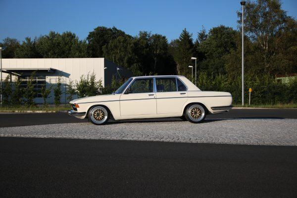 BMW E3 3,0S